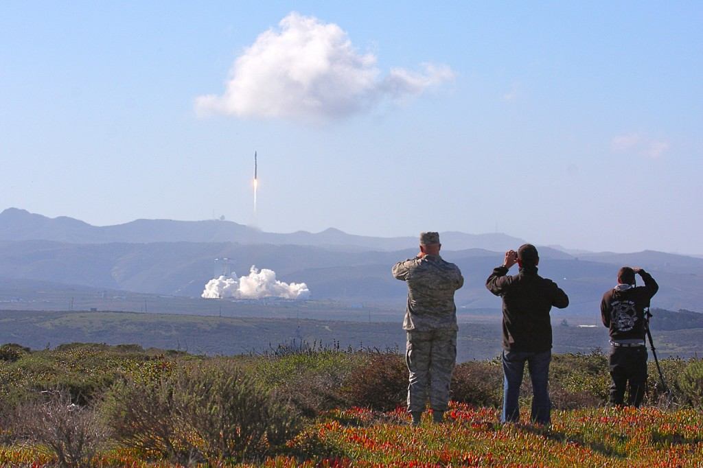 Spectators watch the slow initial ascent of Landsat 8. Photo courtesy Thilo Kranz | DLR