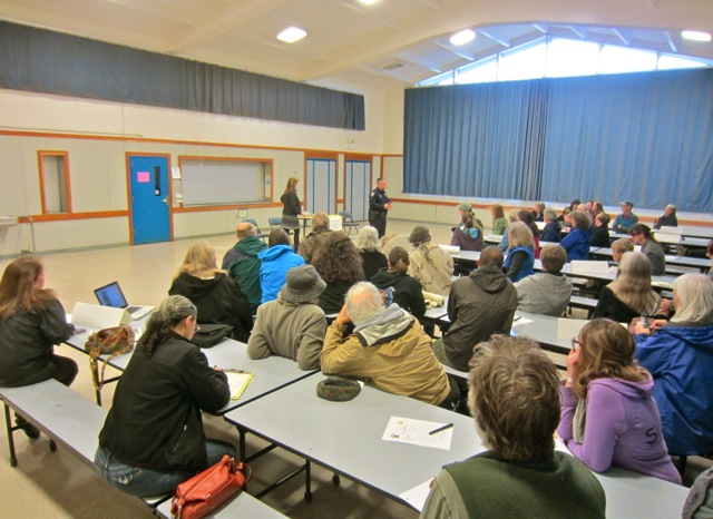 About 50 residents attended the meeting n the Sunny Brae Middle school cafeteria. Photos by KLH | Eye
