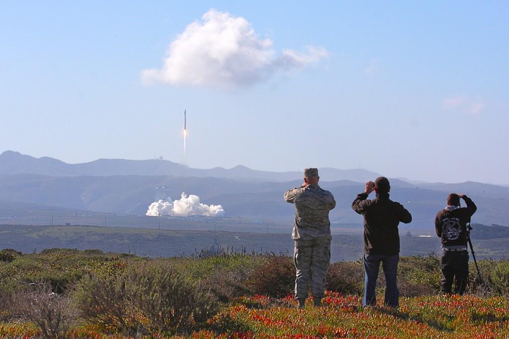 Spectators watch the slow initial ascent of Landsat 8. Photo courtesy Thilo Kranz | DLR