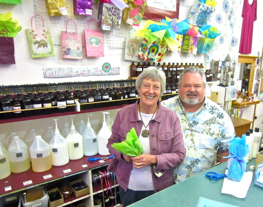 Vicky Joyce and Gary Grounds at Bubbles during the most recent Arts! Arcata. KLH | Eye